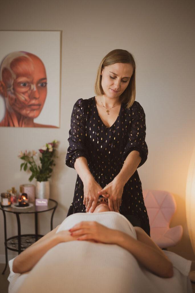 Barbara Filipek Basia Evelines Therapy Krakow facemodeling akupresura masaz