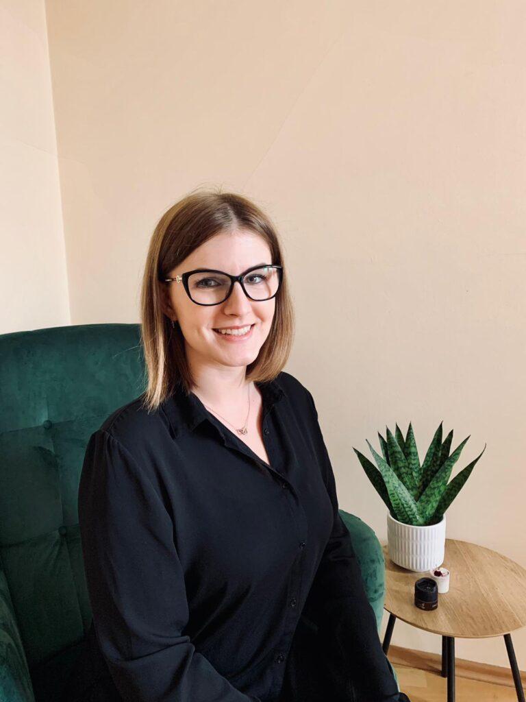 Monika Martyka magister fizjoterapii Kraków Evelines Therapy